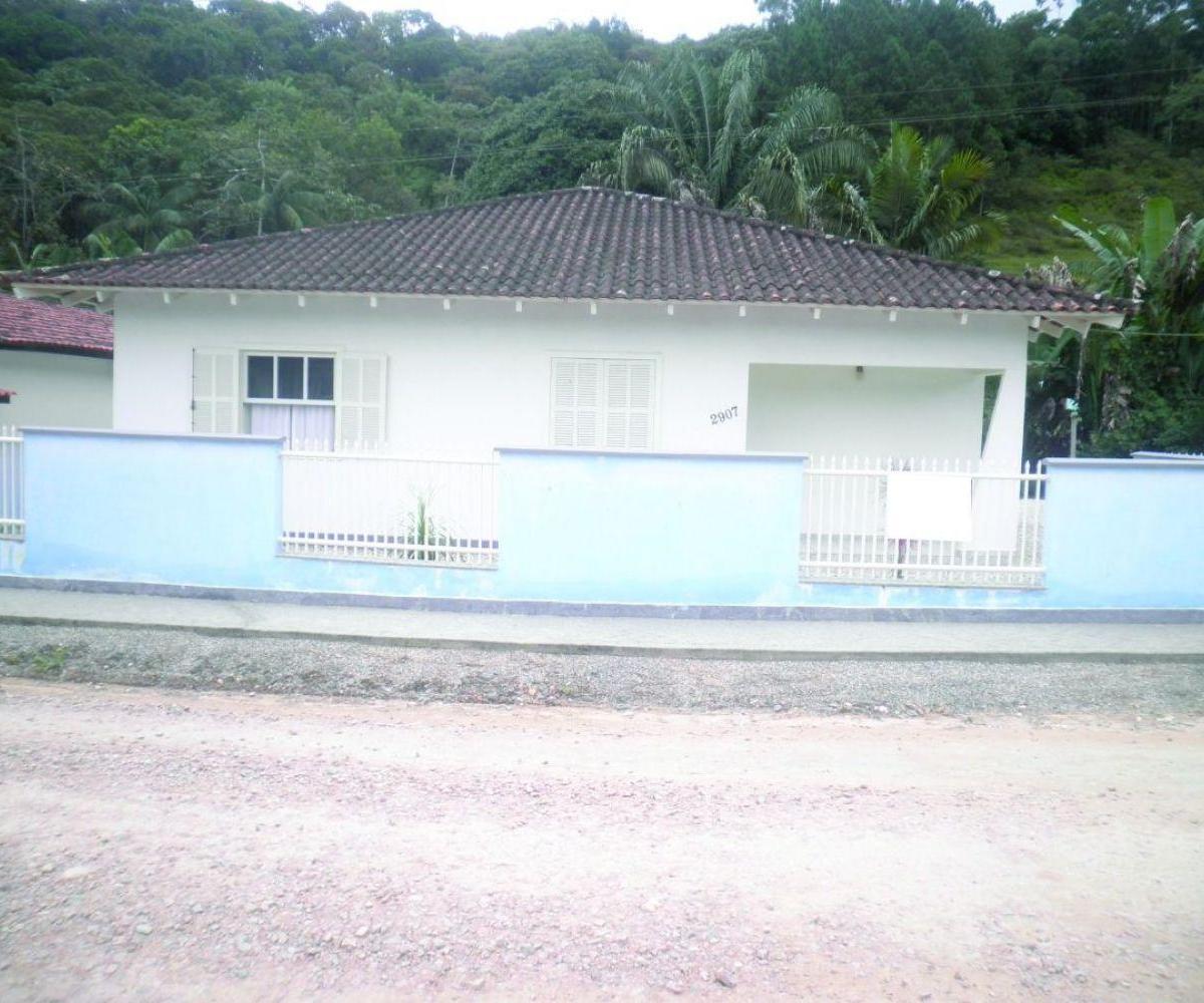 Casa Lorena Guabiruba com amplo terreno com riacho