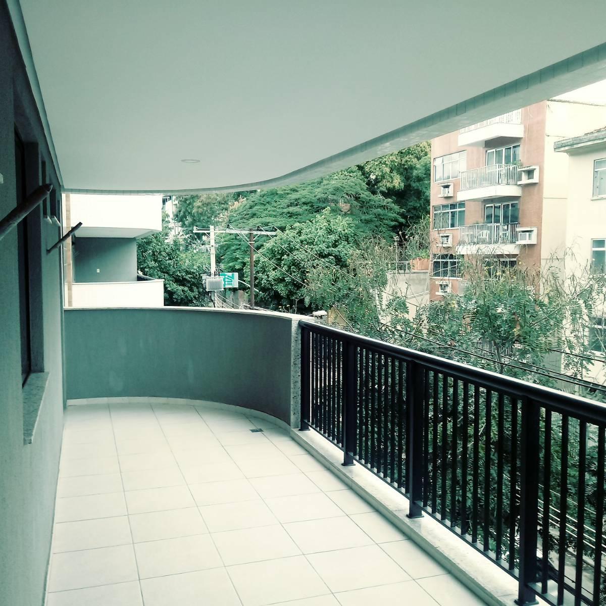 Apartamento em Vila Isabel - 2 Quartos com Suíte - 80m2 - Frente - Varandão