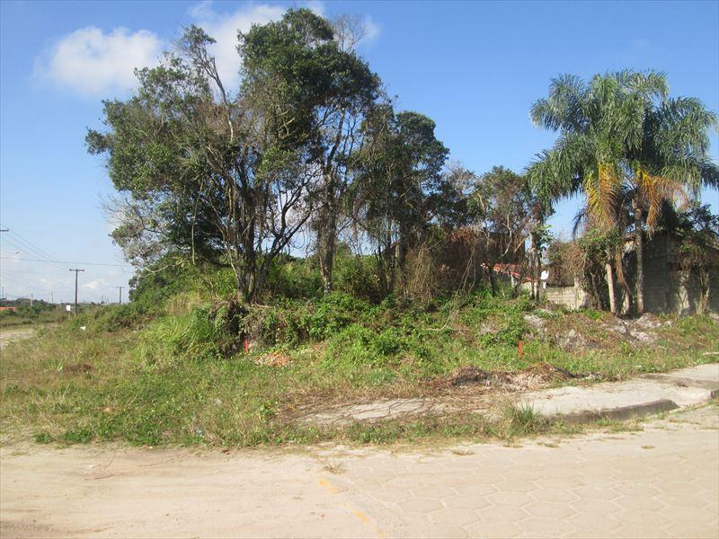 Terreno lado praia a venda em Itanhaém.