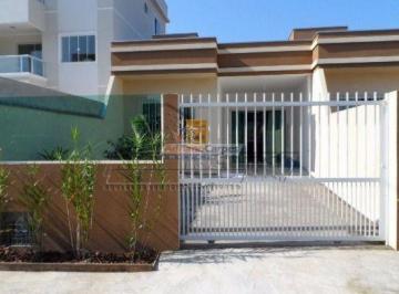 Casa · 60m² · 3 Quartos · 2 Vagas