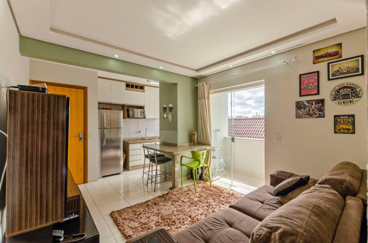 Excelente Apartamento no Bairro Portão.