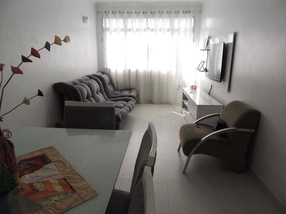 Apartamento de 2 dormitórios com garagem fechada no Campo Grande