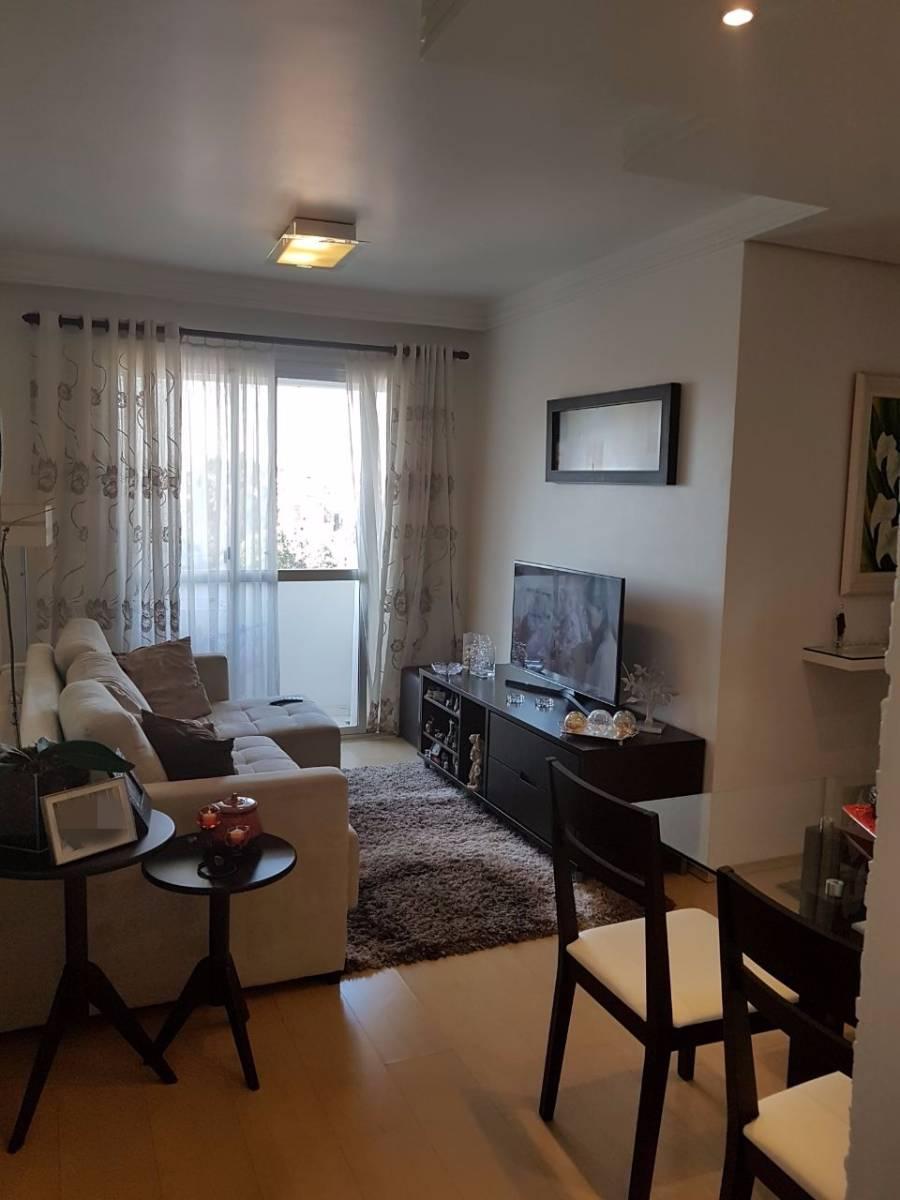 Apartamento reformado de 2 dormitórios no Morumbi Sul