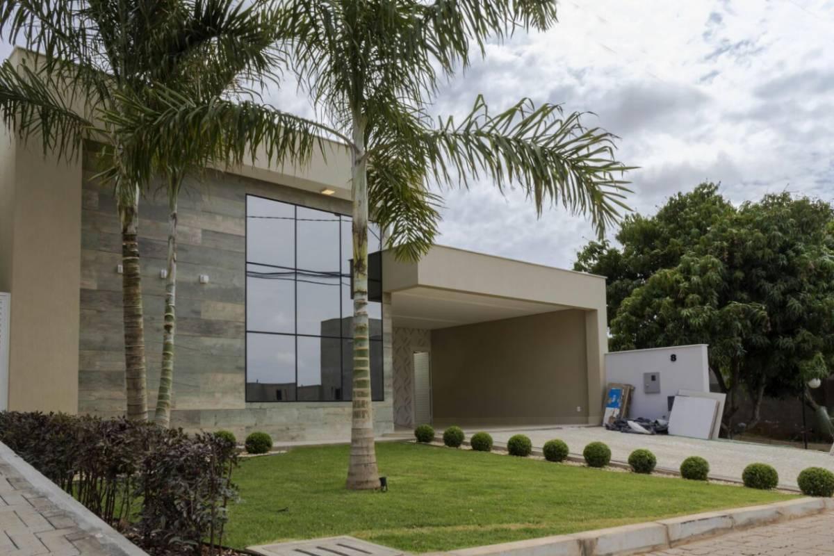 Casa venda com 3 quartos park way bras lia r for Casa moderna hampton hickory