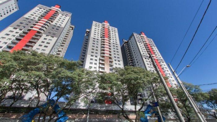 http://www.infocenterhost2.com.br/crm/fotosimovel/391559/98018453-apartamento-curitiba-champagnat.jpg