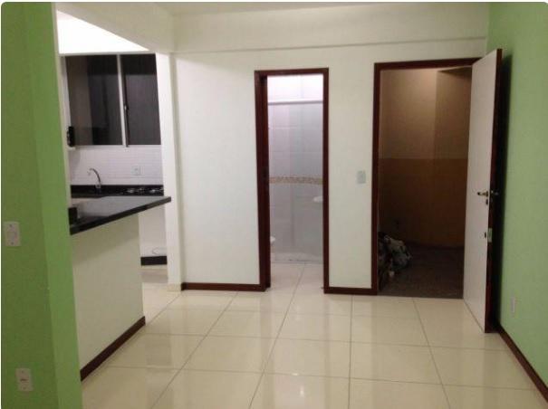 Apartamento duplex, reformado, Residencial Plaza Mediterranee, em Capoeiras.