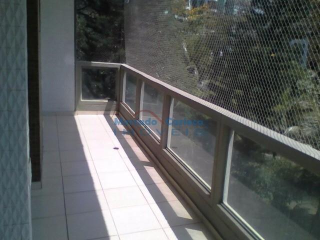 Amplo apartamento composto de 2 qtos suite e varanda lazer e segurança na Barra