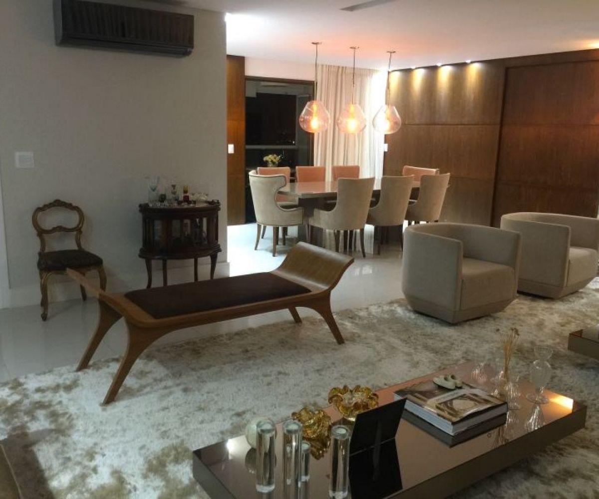 Apartamento Mobiliado com 4 Quartos à Venda, 243 m² R$ 2.200.000