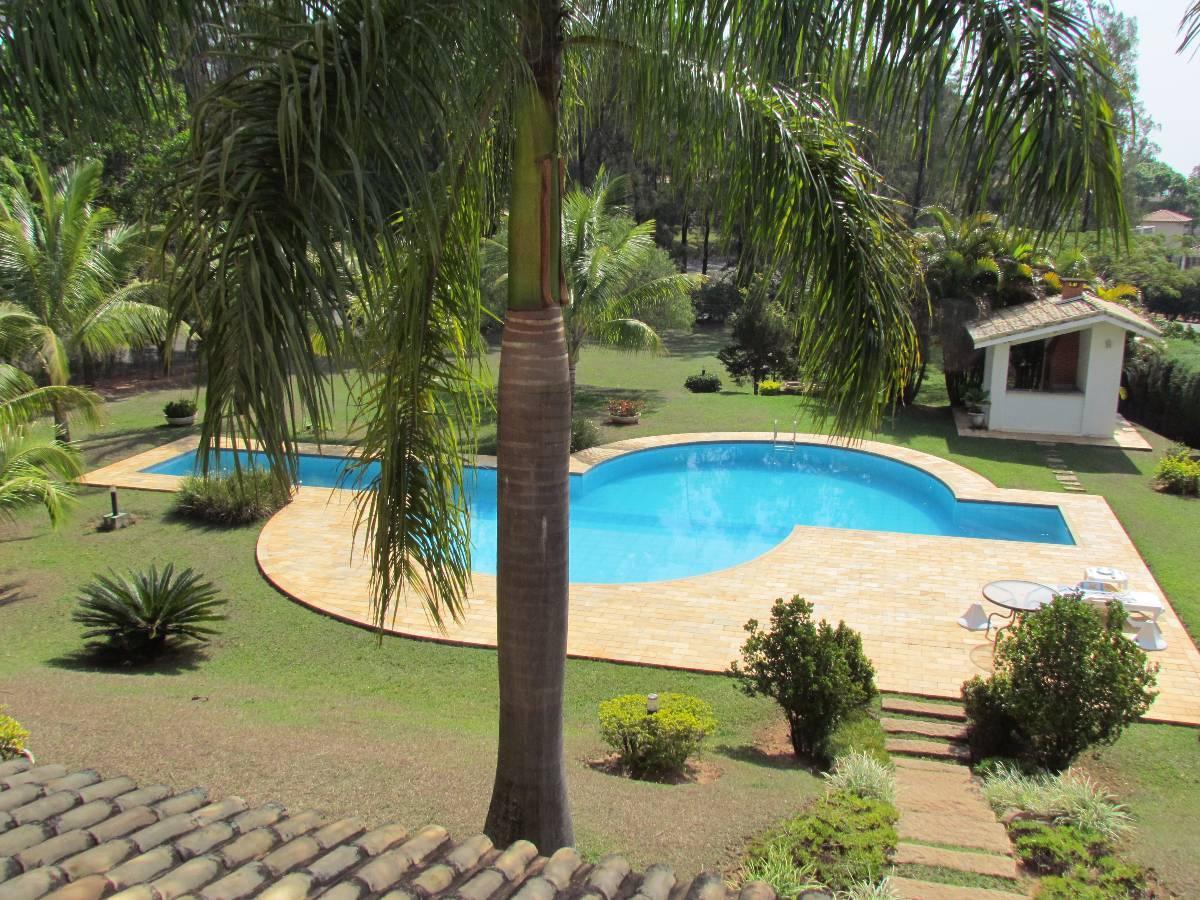 Casa à venda - no Condomínio Monte Belo