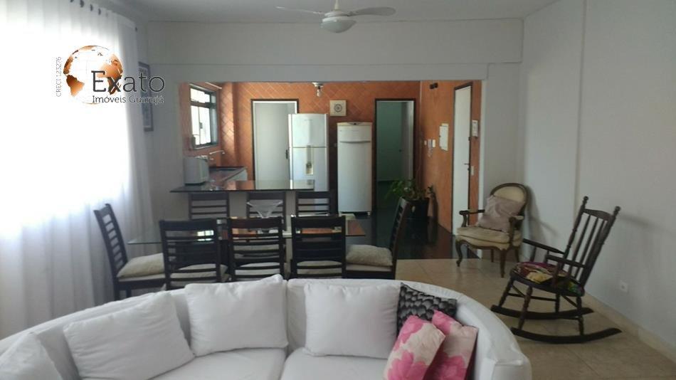 Apartamento na Barra Funda Guarujá SP a 50 metros do mar nas Pitangueiras.