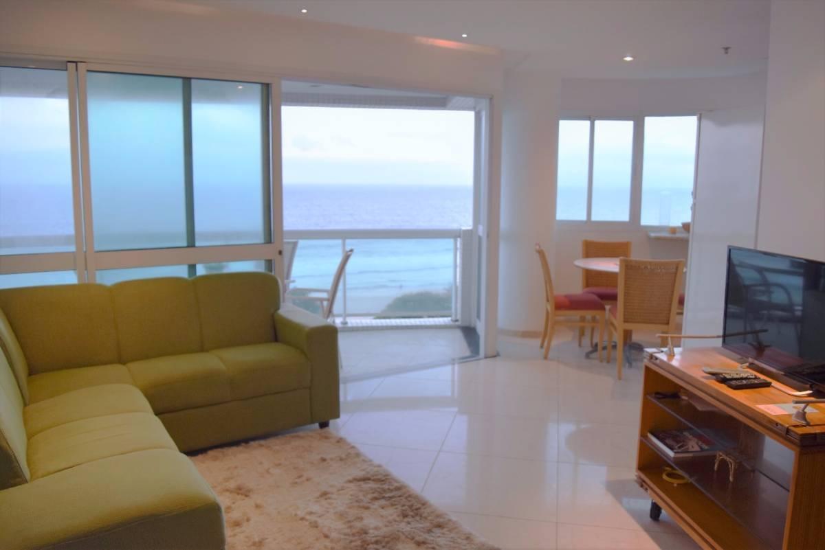 2 quartos em Residencial com serviços na praia da Barra