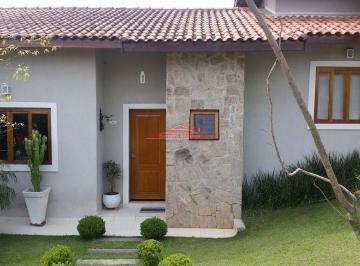 Casa · 180m² · 3 Quartos · 4 Vagas