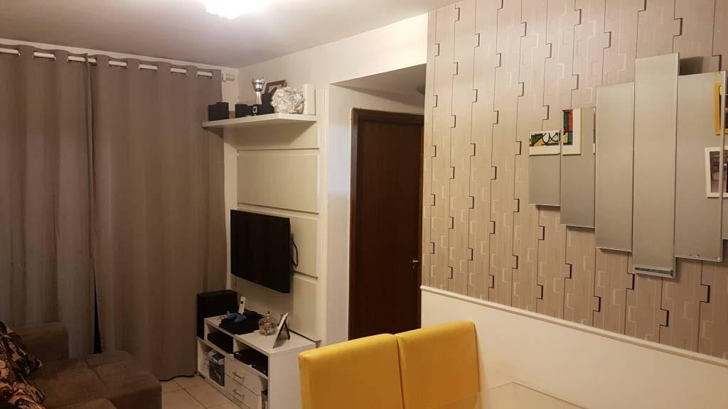 Apartamento à venda - em Irajá
