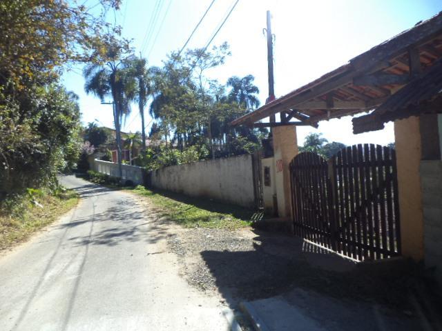 Rua portão do terreno