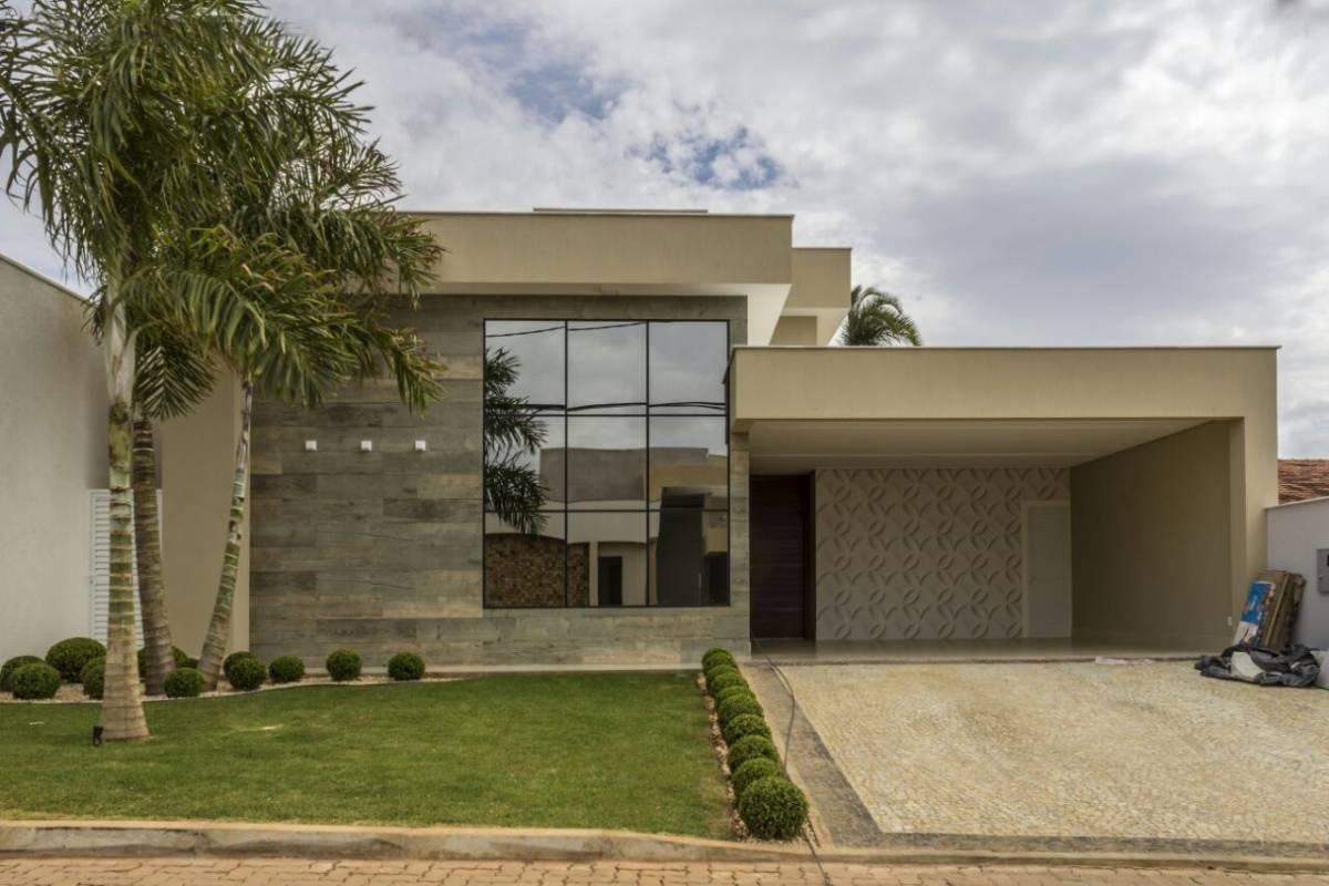 Casa nova e moderna, 3 quartos Suite Master com Closet