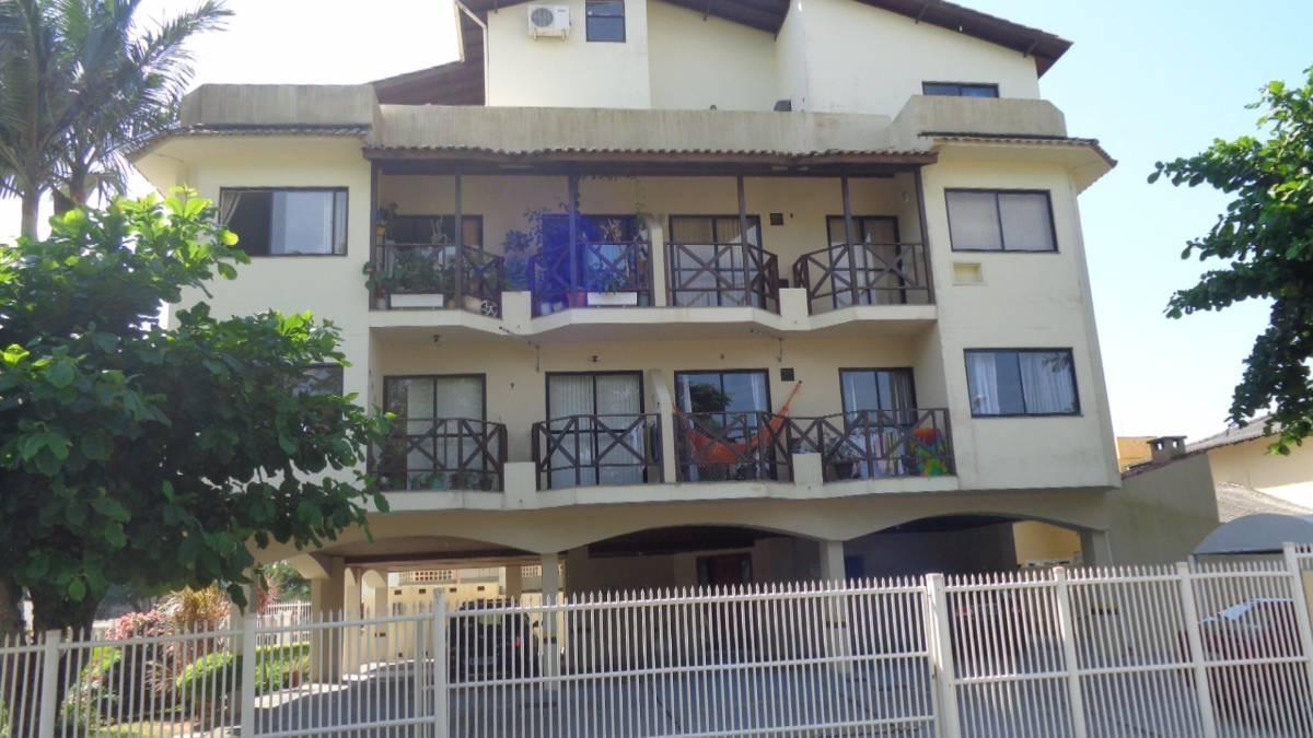Lindo apartamento mobiliada 200 metros da areia Canasvieira financiavel.