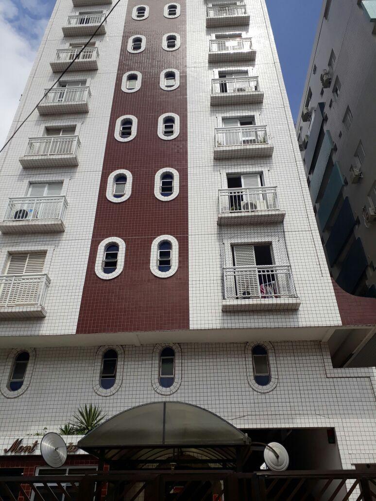 Dois dormitórios com dep. completa de empregada no Campo Grande