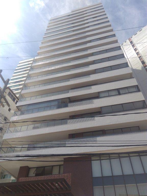 Apartamento na barra, 4/4 com 4 suítes, 193 m², vista mar, 3 vagas, novo