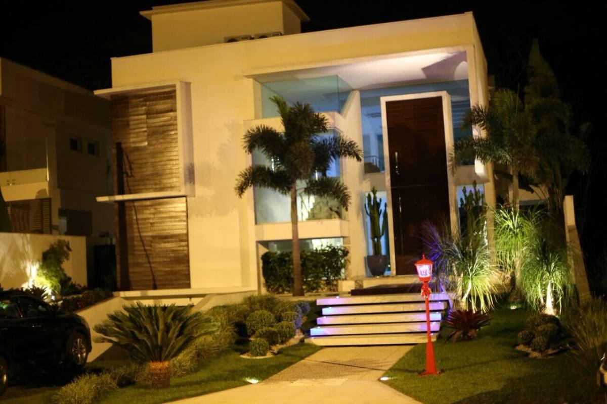 Belíssima casa em Riviera de São Lourenço, 495m2 com 5 suítes.