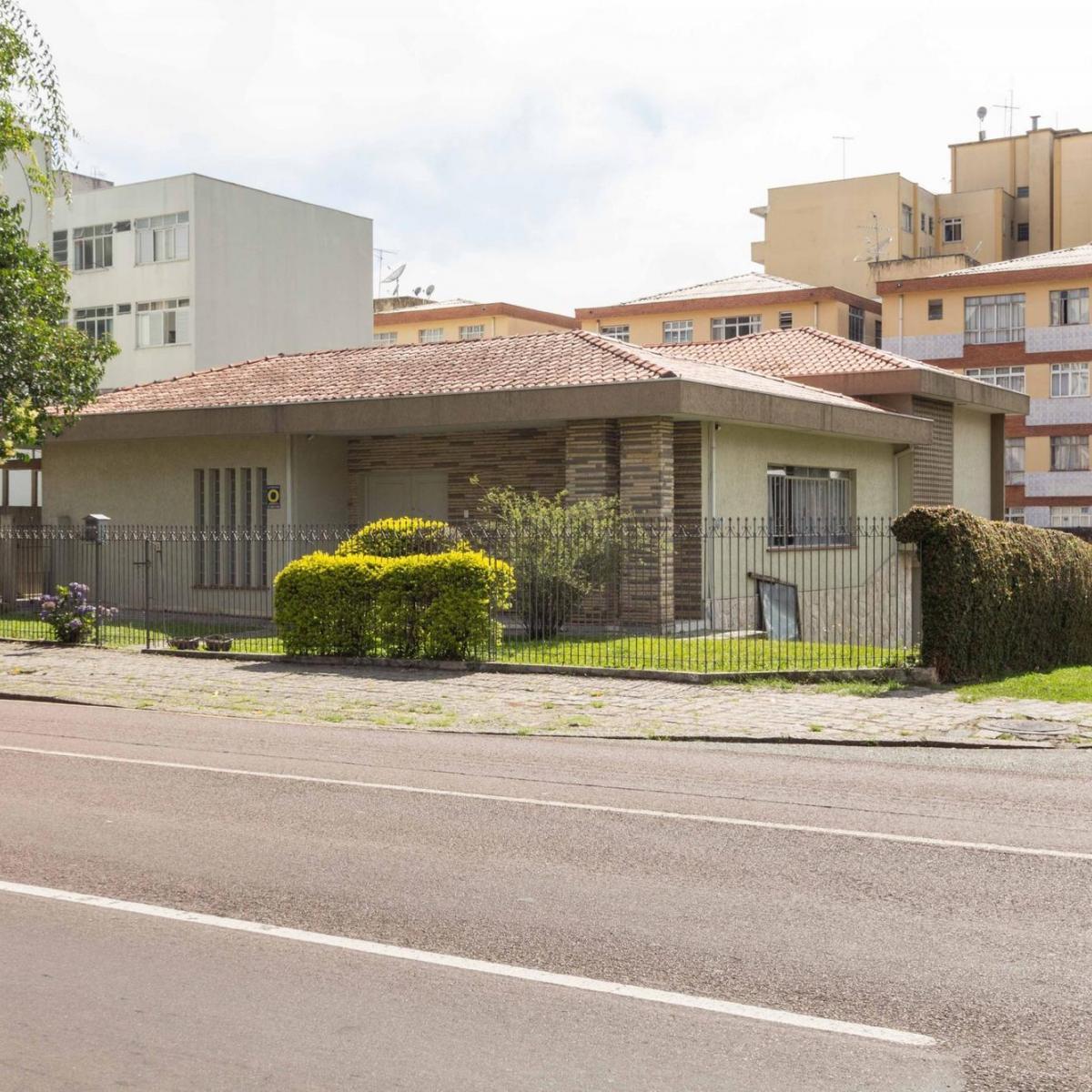 http://www.infocenterhost2.com.br/crm/fotosimovel/387715/97846675-casa-curitiba-juveve.jpg