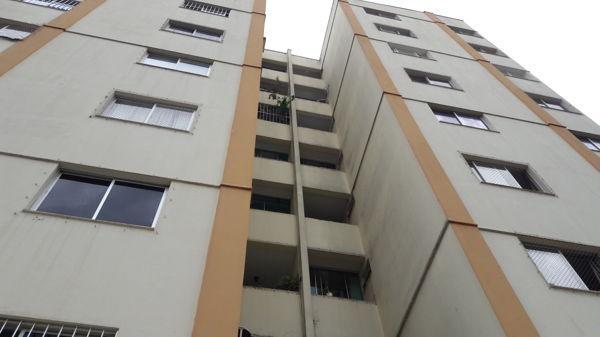 Apartamento no Residencial Yasmin - Setor Bela Vi