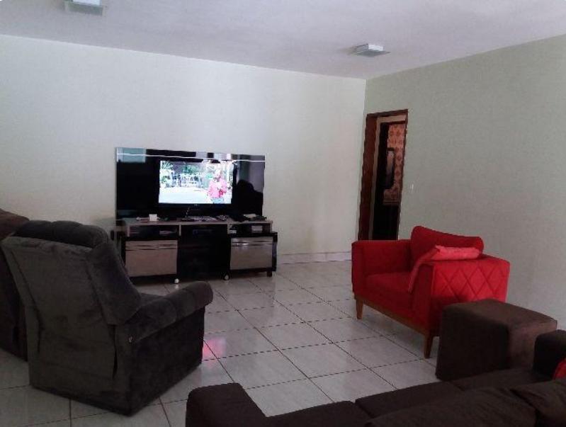 Estuda troca!! Casa no Guará II de 3 Quartos sendo 1 suíte // QE 26