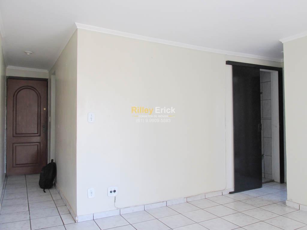 Apartamento de 2 quartos em Taguatinga - BARATO!