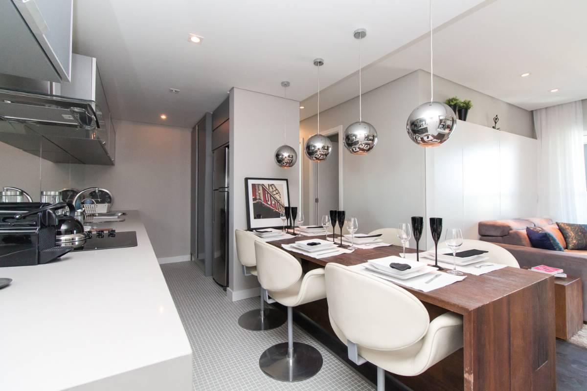Apartamento de 2 dormitórios  no Batel  - Andar Alto - Vista Livre/Maravilhosa!!