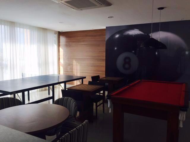 Apartamento em Armação, 2/4 com 2 suítes e varanda, novo, 71 m²