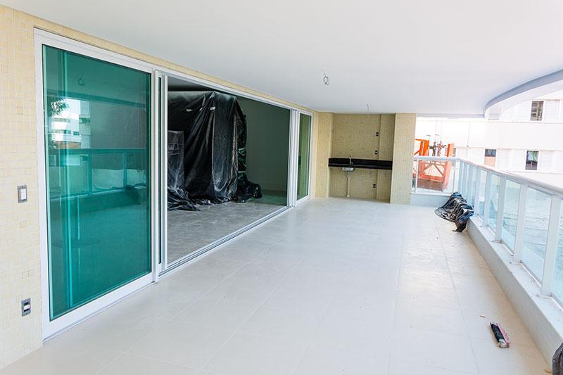 Apartamento na Graça, 4/4 com 4 suítes, 4 vagas, novo, Riservatto Graça