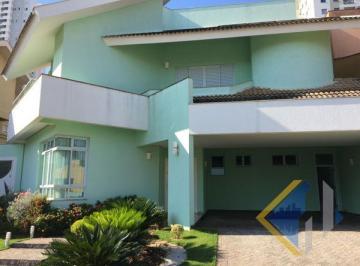 Casa · 395m² · 3 Quartos · 4 Vagas