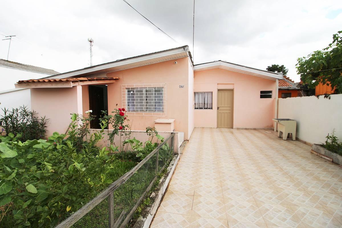 Casa com 01 dormitório semi mobiliada