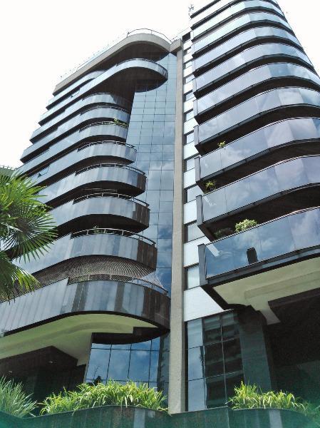 Apartamento com 3 suítes e 3 vagas de garagem no bairro Petrópolis em Porto Alegre - RS