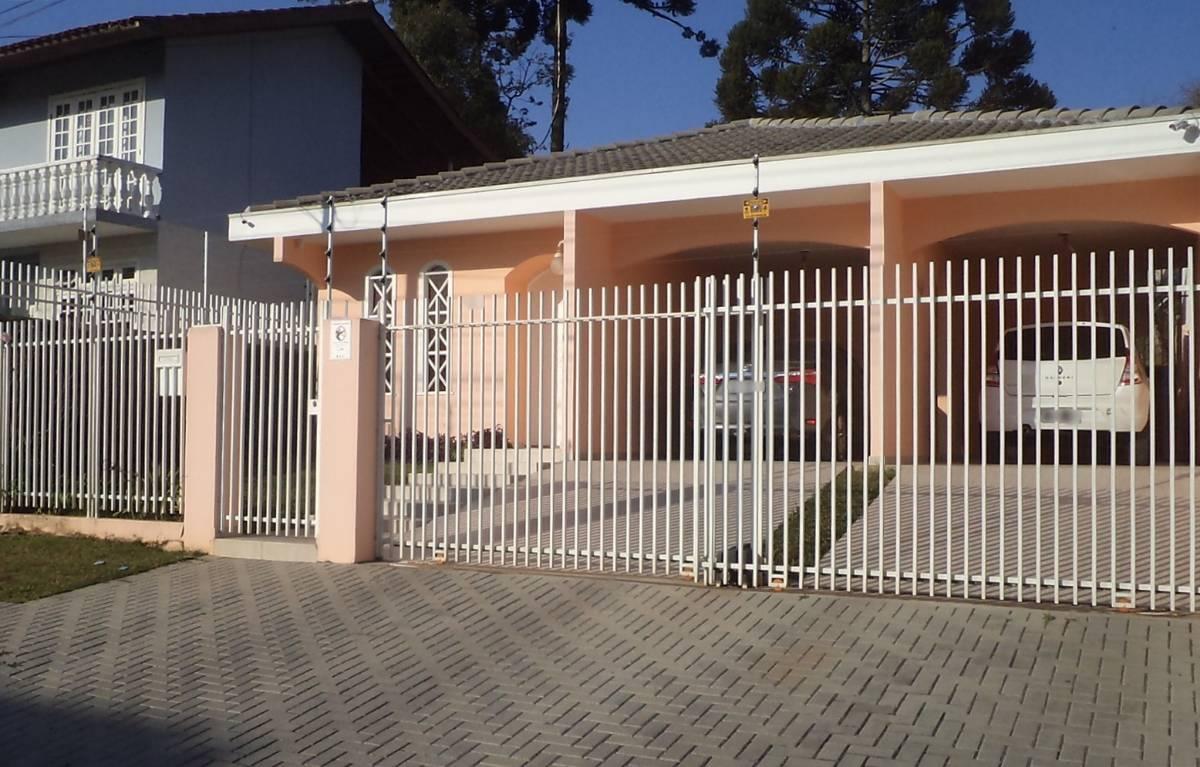 Casa no São Lourenço - 3 quartos - 1 Suíte - Próx. à Mateus Leme - Curitiba - PR