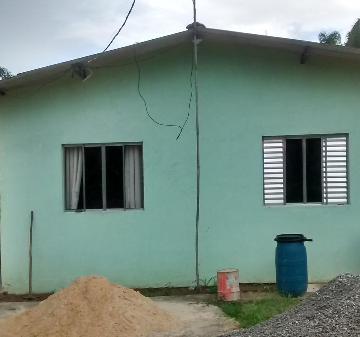 Chácara para venda. Com 200 metros quadrados e 4 quartos em Chácaras Califórnia - Embu-Guaçu - SP.