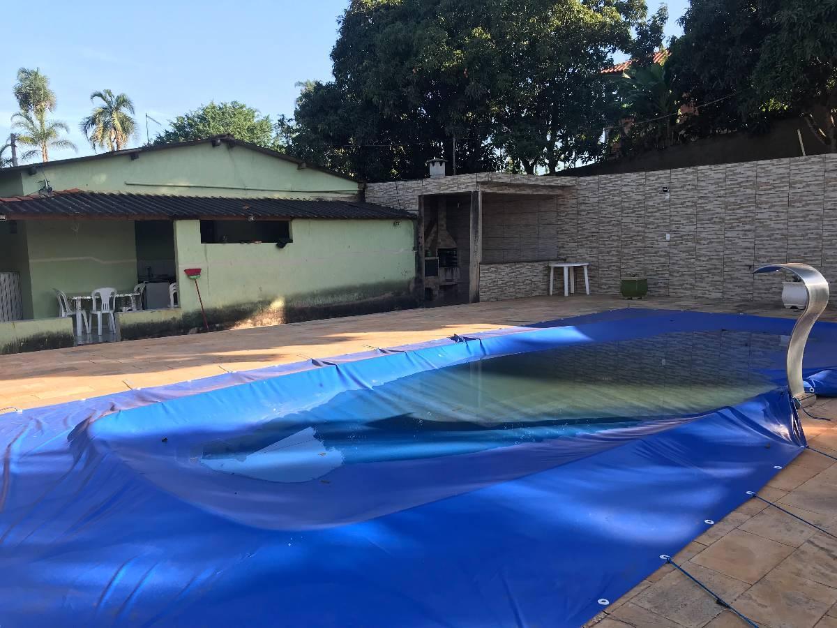 Linda chácara com 20.000 m², sede, piscina, árvores frutíferas