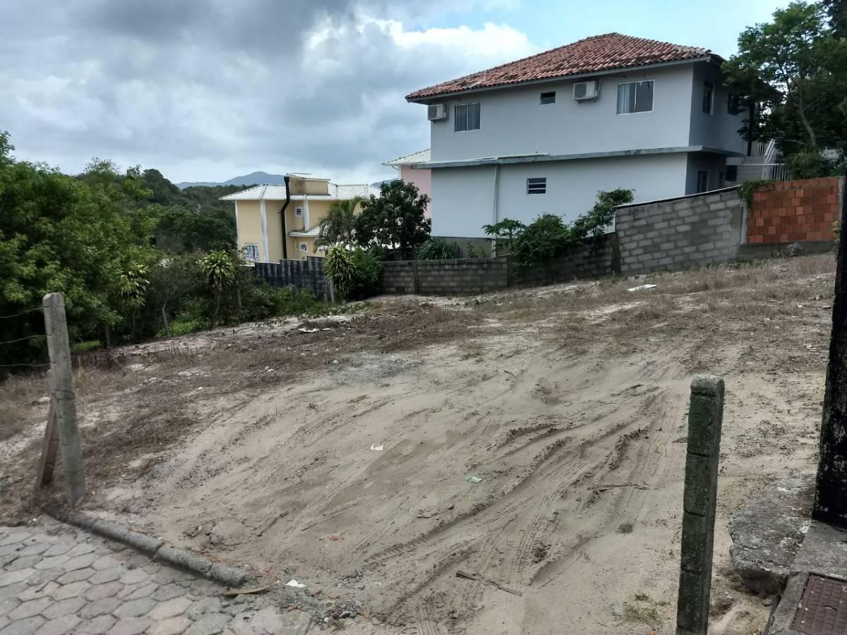 Excelente Terreno na Praia do Santinho 18x17 m²