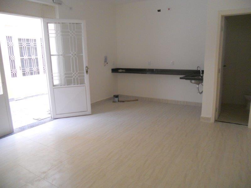 Sala comercial térrea em condomínio/ Divisória/ Santa Rosália