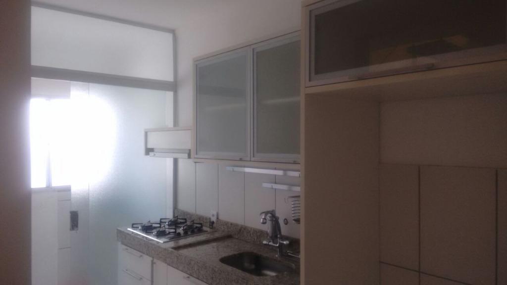 Apartamento no Edifício Residencial Colorado com 3 dormitórios.