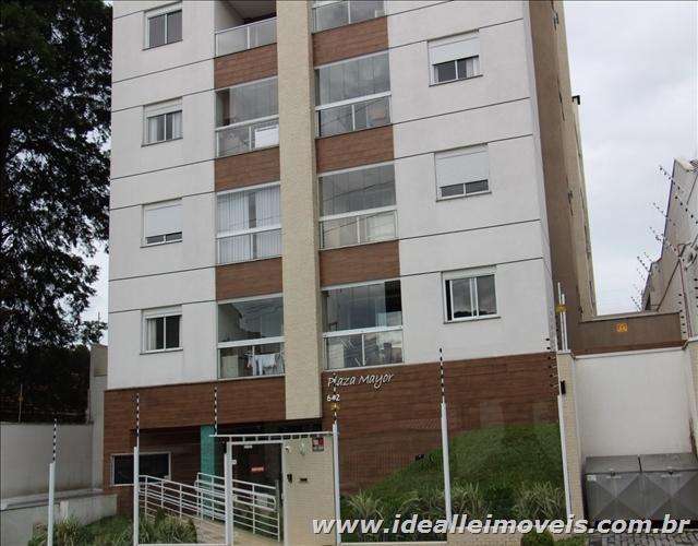 Apartamento com ótima localização no bairro Mercês!