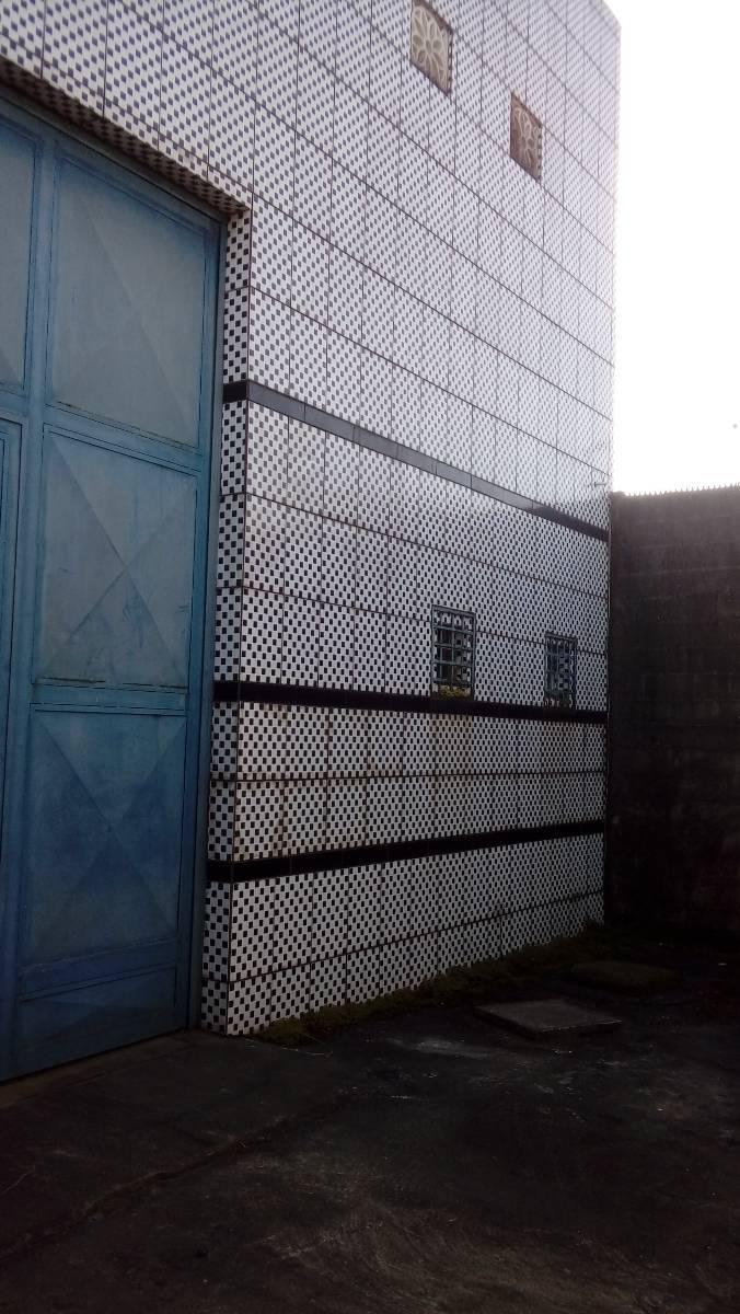 Galpão na Marcos Freire 170 metros área total 250 metros - localizado