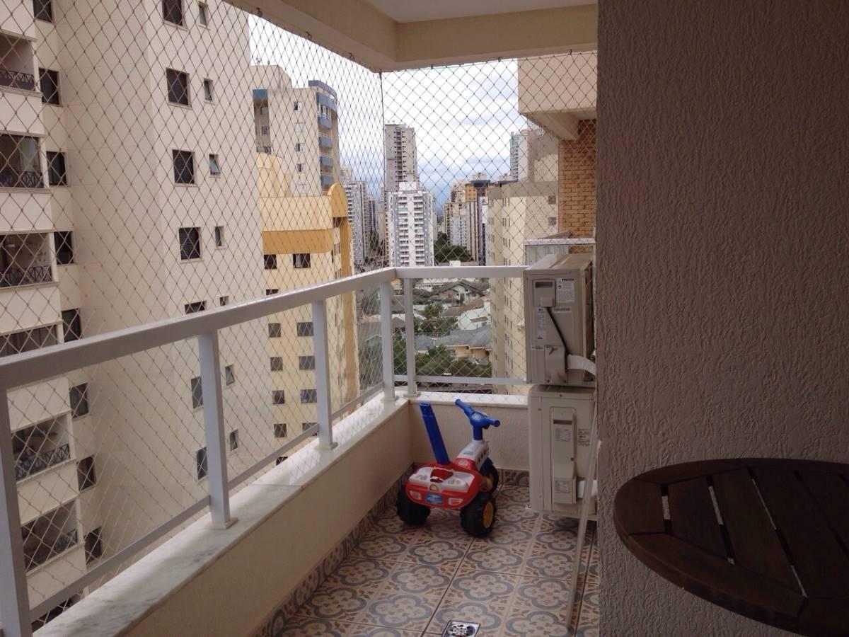 Apartamento no Aquarius com condomínio Moderno