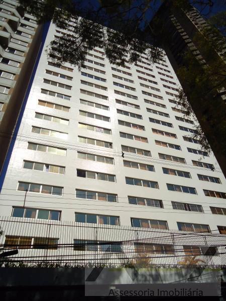 Apartamento no Champagnat - Andar Alto - 4 Quartos - 1 Suíte - 1 Vaga de Garagem