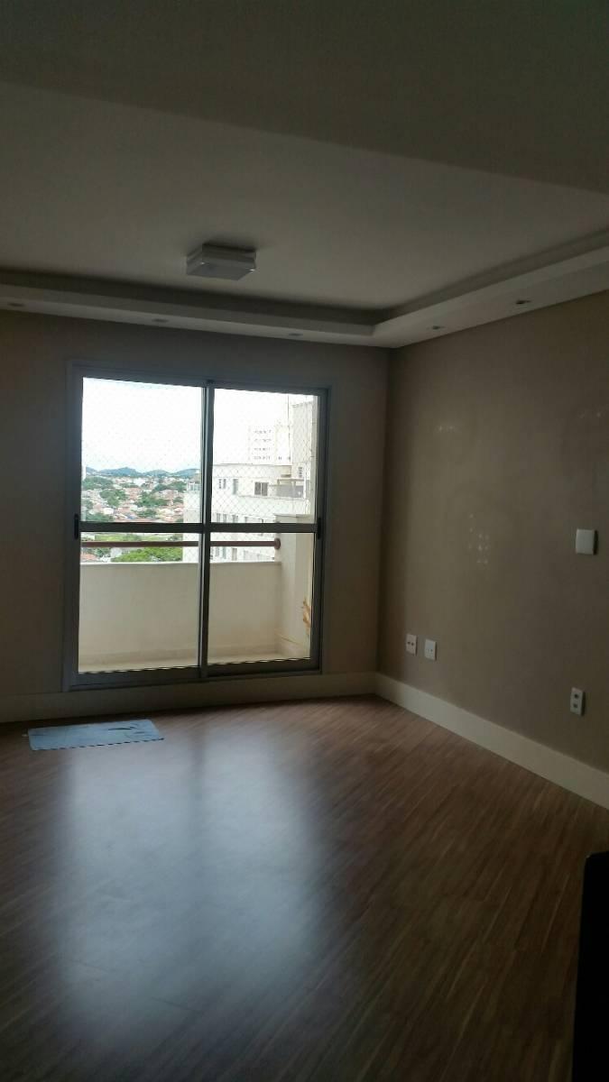 Apartamento com 3 dormitórios, 2 vagas, varanda e lazer