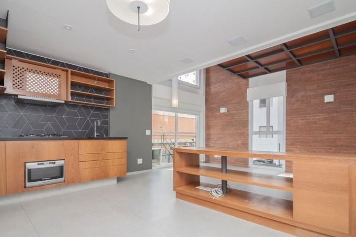 Duplex moderno e sofisticado próximo à Faria Lima e JK