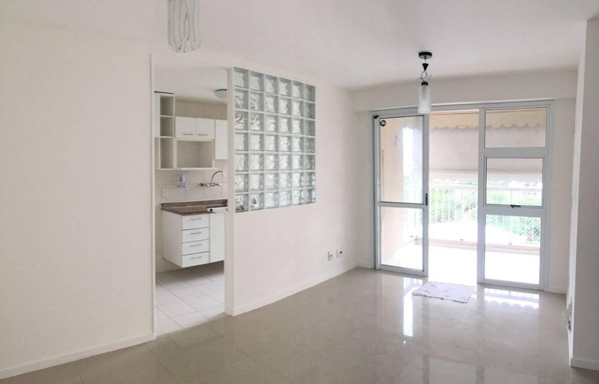Apartamento de 2 quartos condomínio Nova Barra