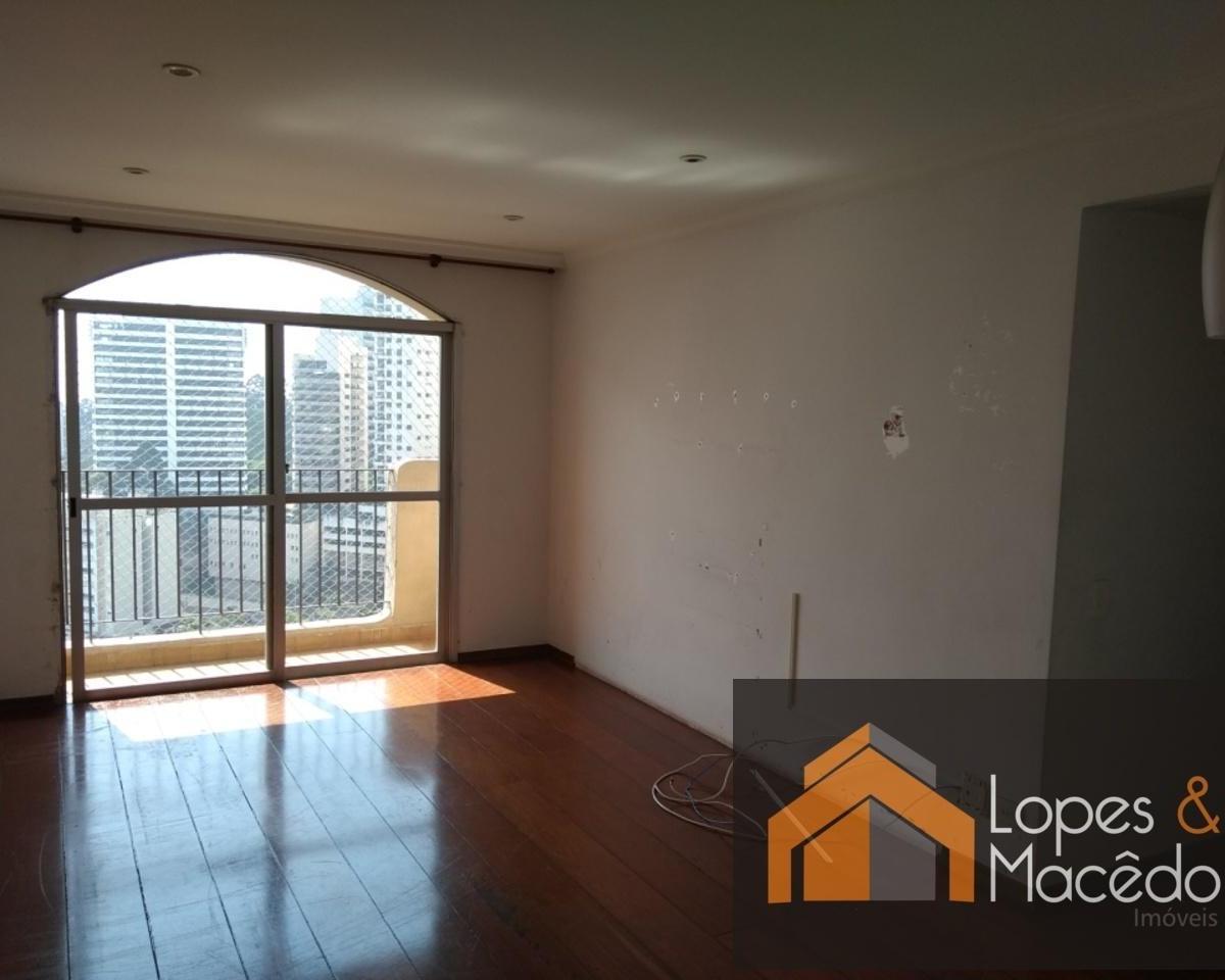 75m2 - Ótima localização - vista livre - dormitórios com armários