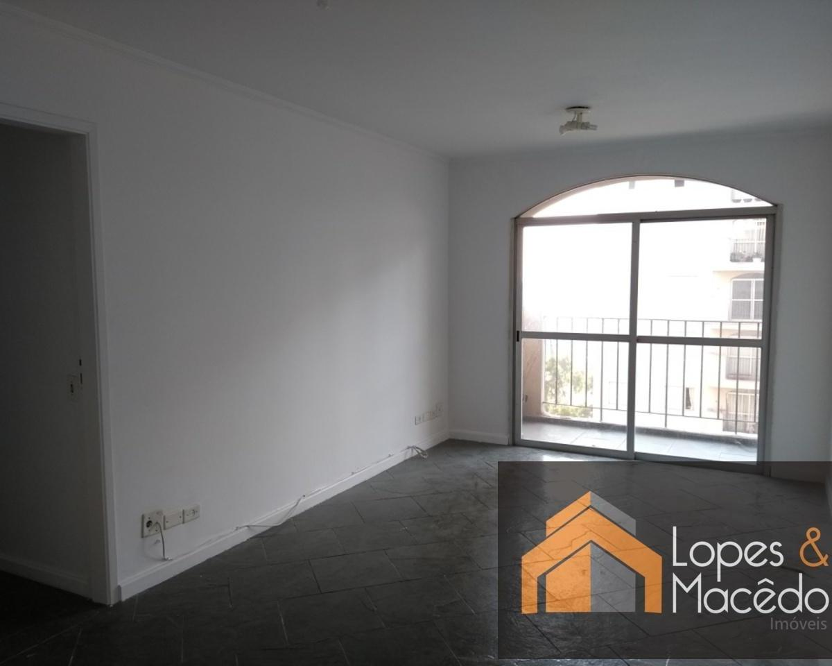 75m2 Dormitórios com armários - ótima localização