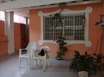 Casa · 180m² · 5 Quartos · 2 Vagas