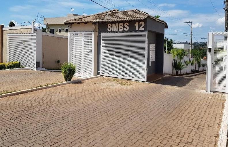 Bernardo Sayão (Guará)  Lote 400 m²  com casa de 3 qts de fundo - Chácara 12A